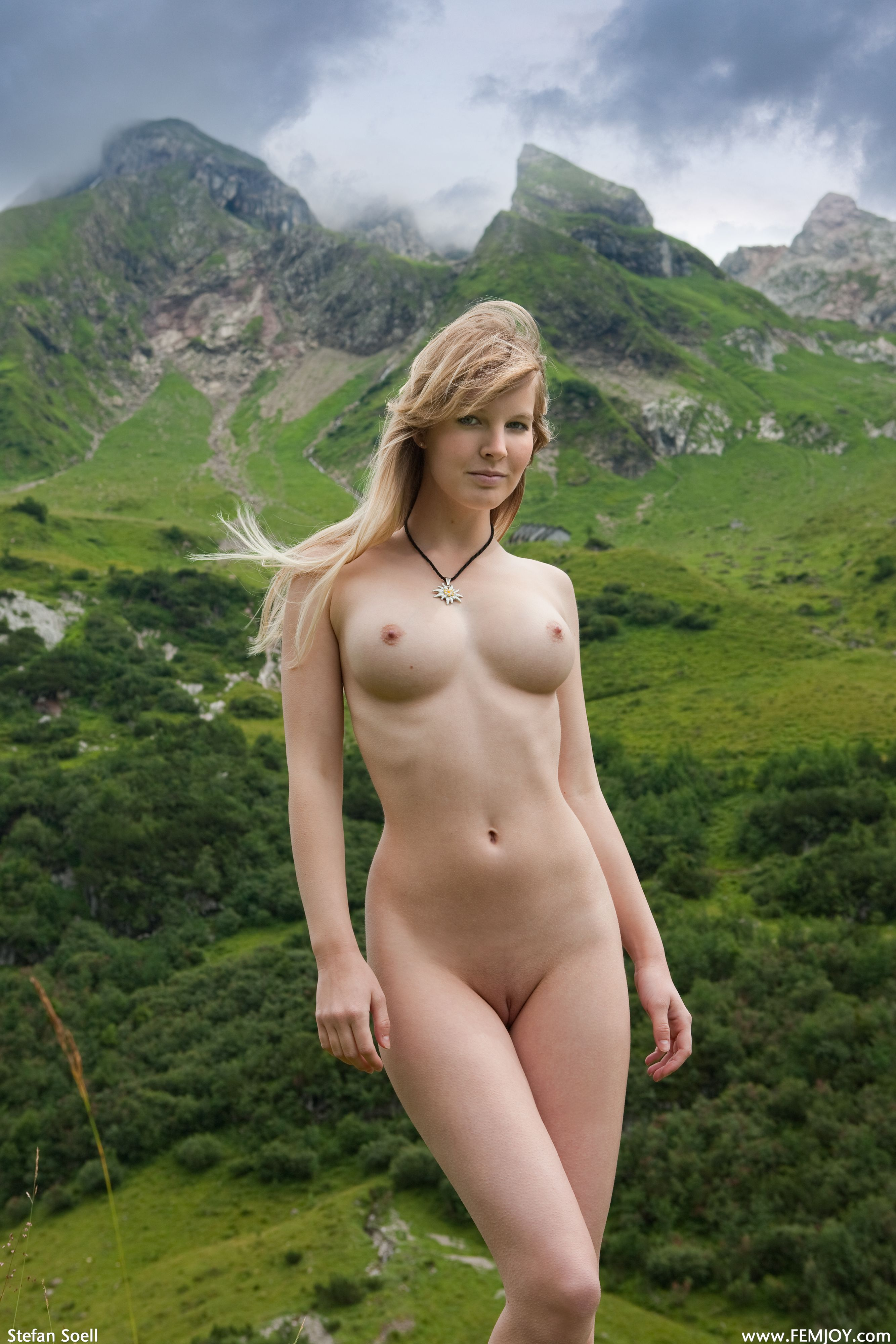 hot-chics-naked-swiss-fighting-nude
