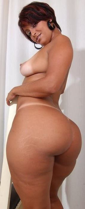 Apologise, Sexy hip pawg nude from behind suggest you