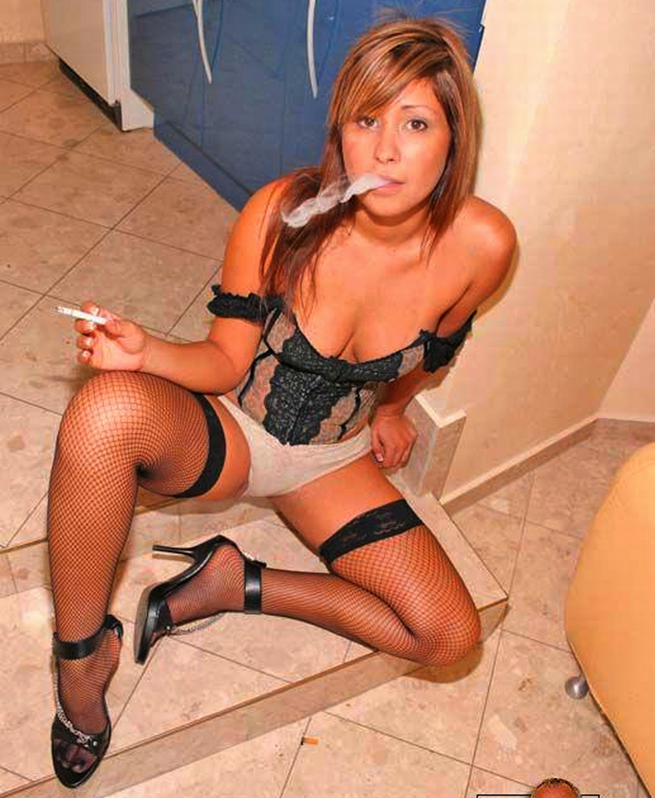 Sissy smoking fetish