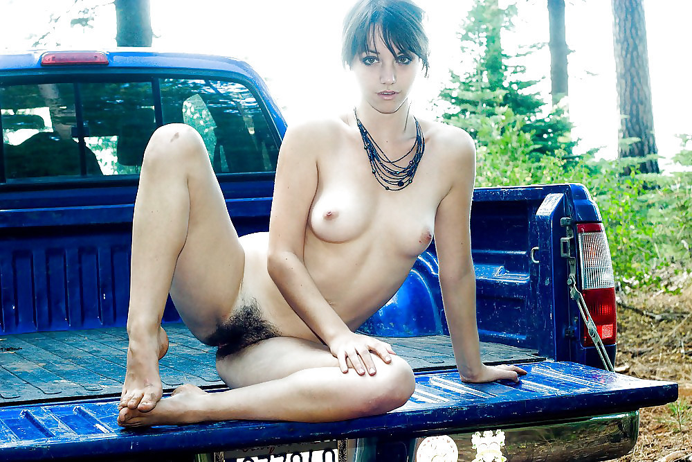 Young nude girl pussy