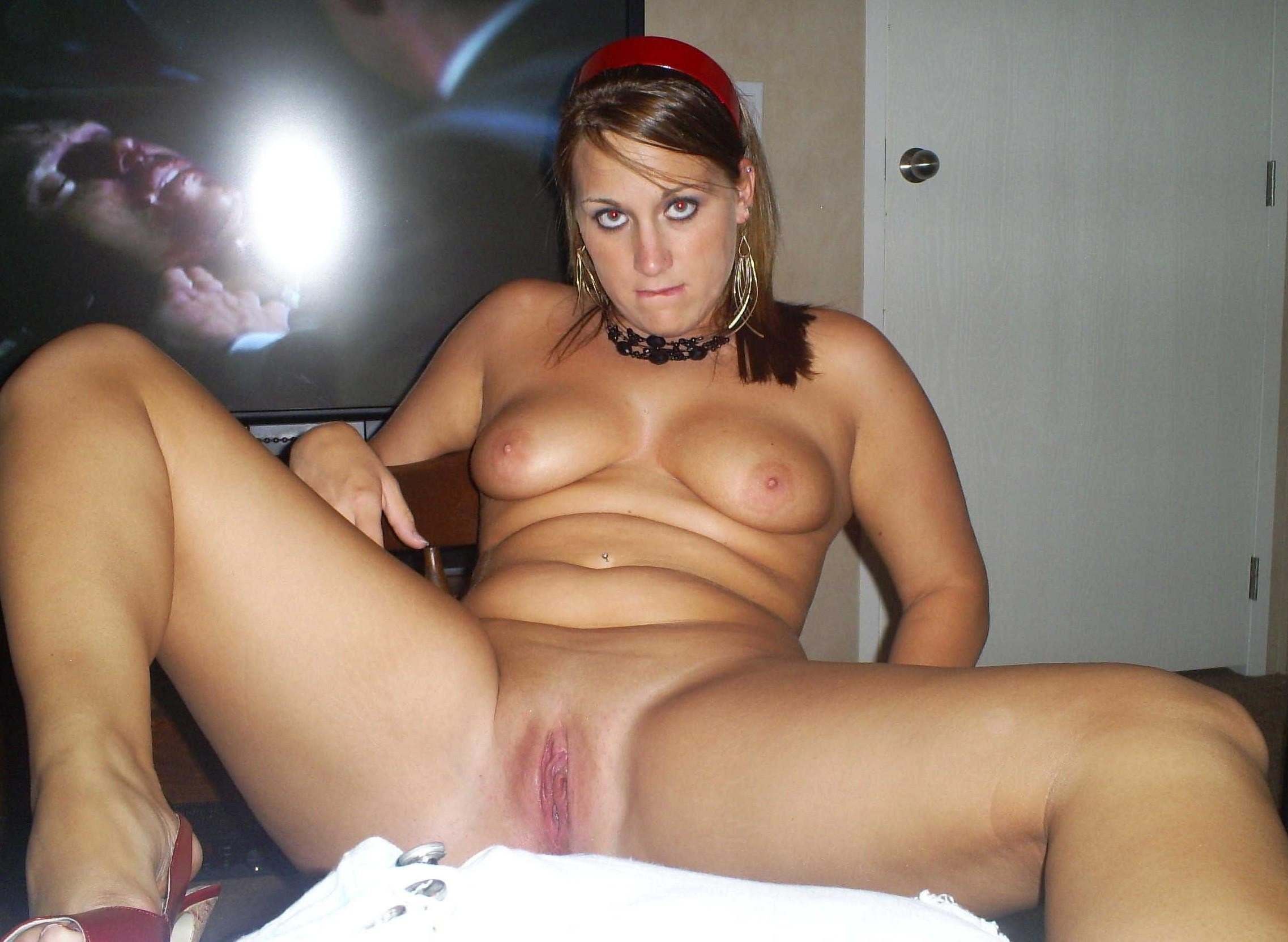 Free young milf pictures
