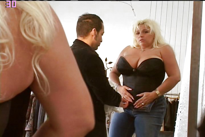 Anal primera beth chapman shows her pussy desi