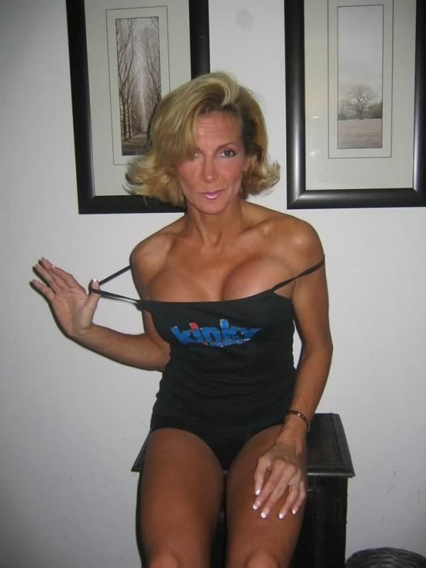 Hot mature ladies cougar pics — photo 4