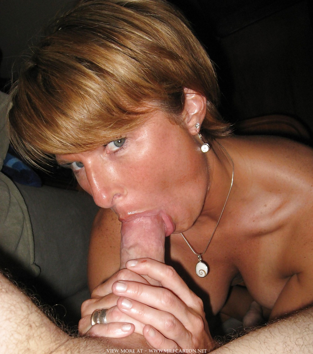 wife-gives-oral-sexiest-lesbian-sex