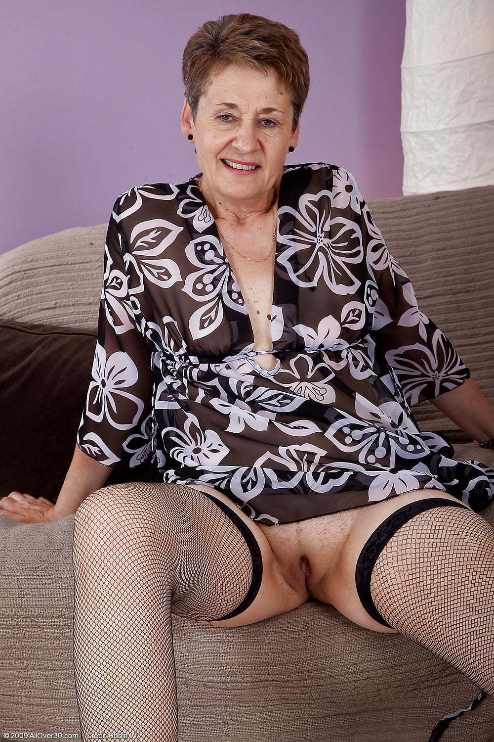 short haired granny in stockings displays pussy.jp - motherless