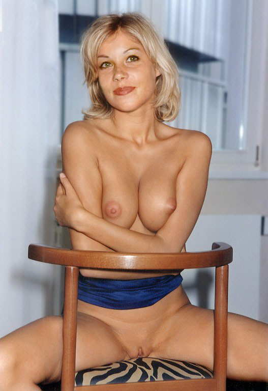 Christina applegate in the nude