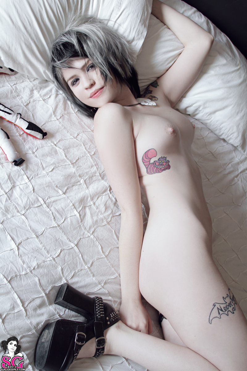 emo-tomboys-naked-nudy-beach-quity-young-girl