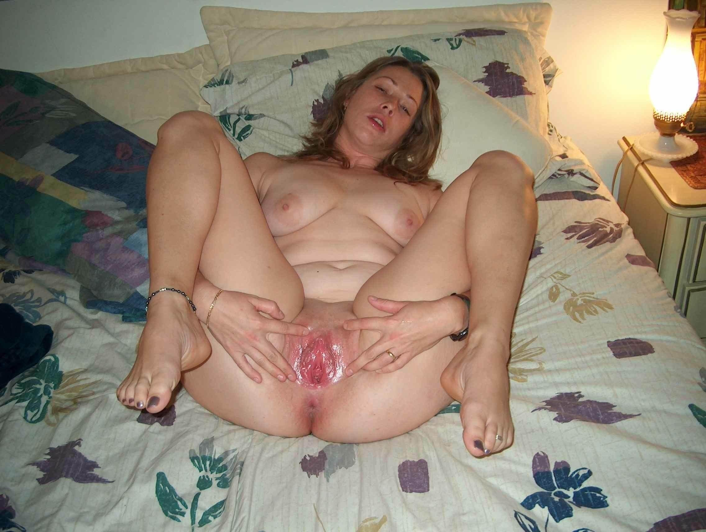 Wide spread pussies mature