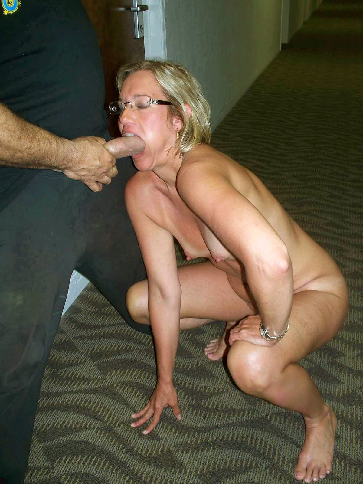 Forum showing wife naked to a friend
