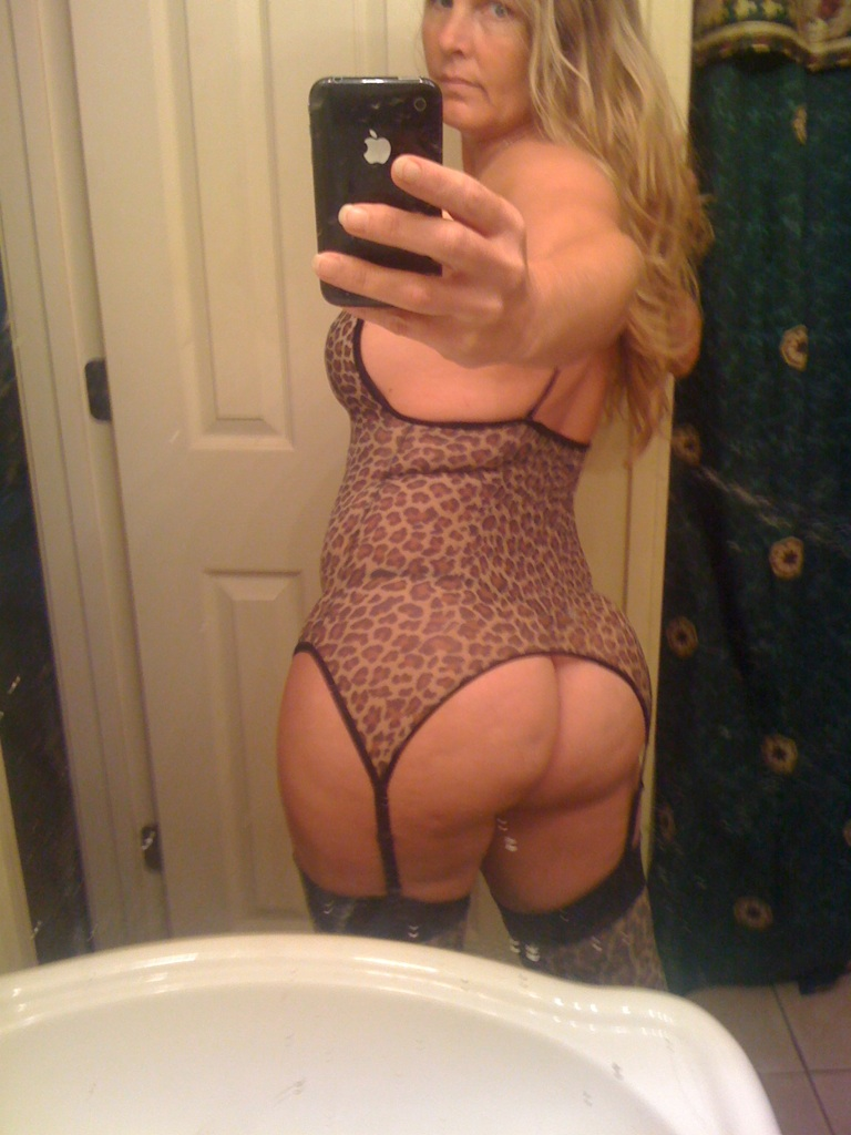 Hot milf ass photos