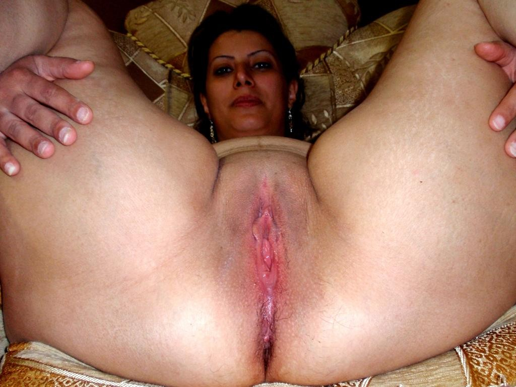 Iranian pussy mom — pic 9