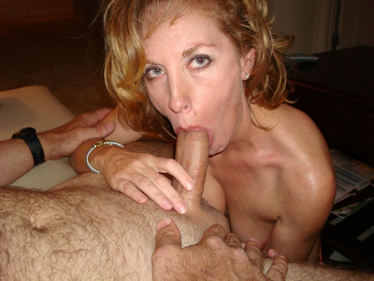 ladies-giving-blowjobs-biggest-anal-fuck