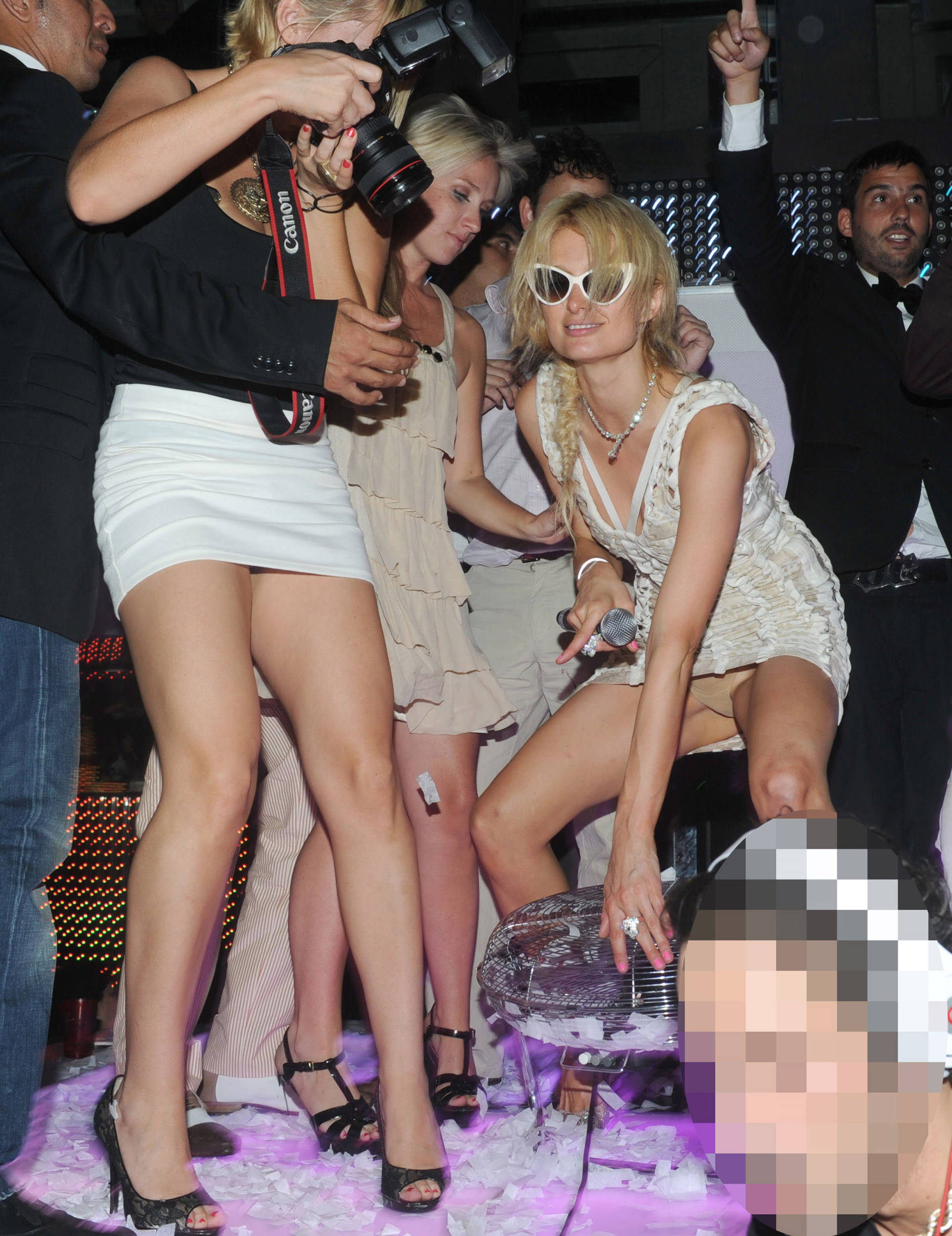 paris-hilton-nude-and-upskirt