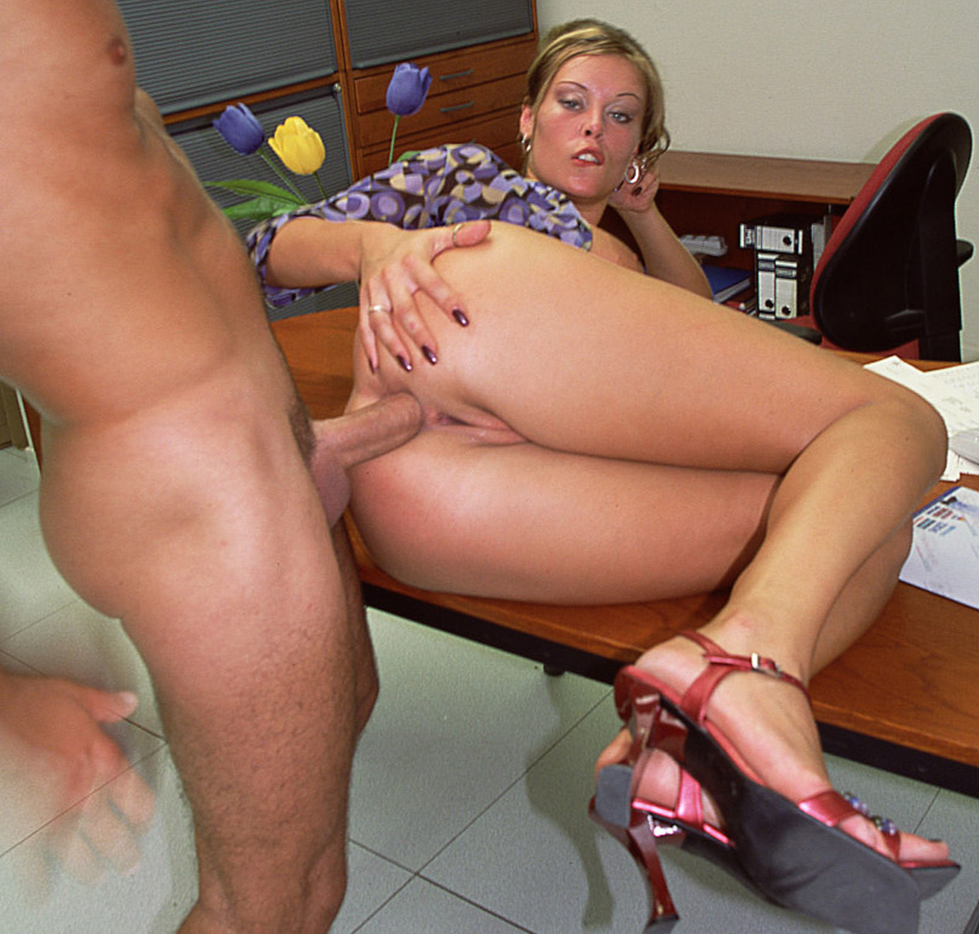 Fucking sons amature office fuck videos