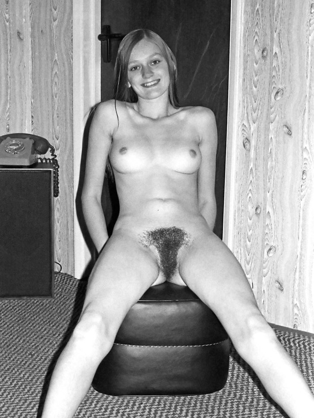 Nude pic Babysitter