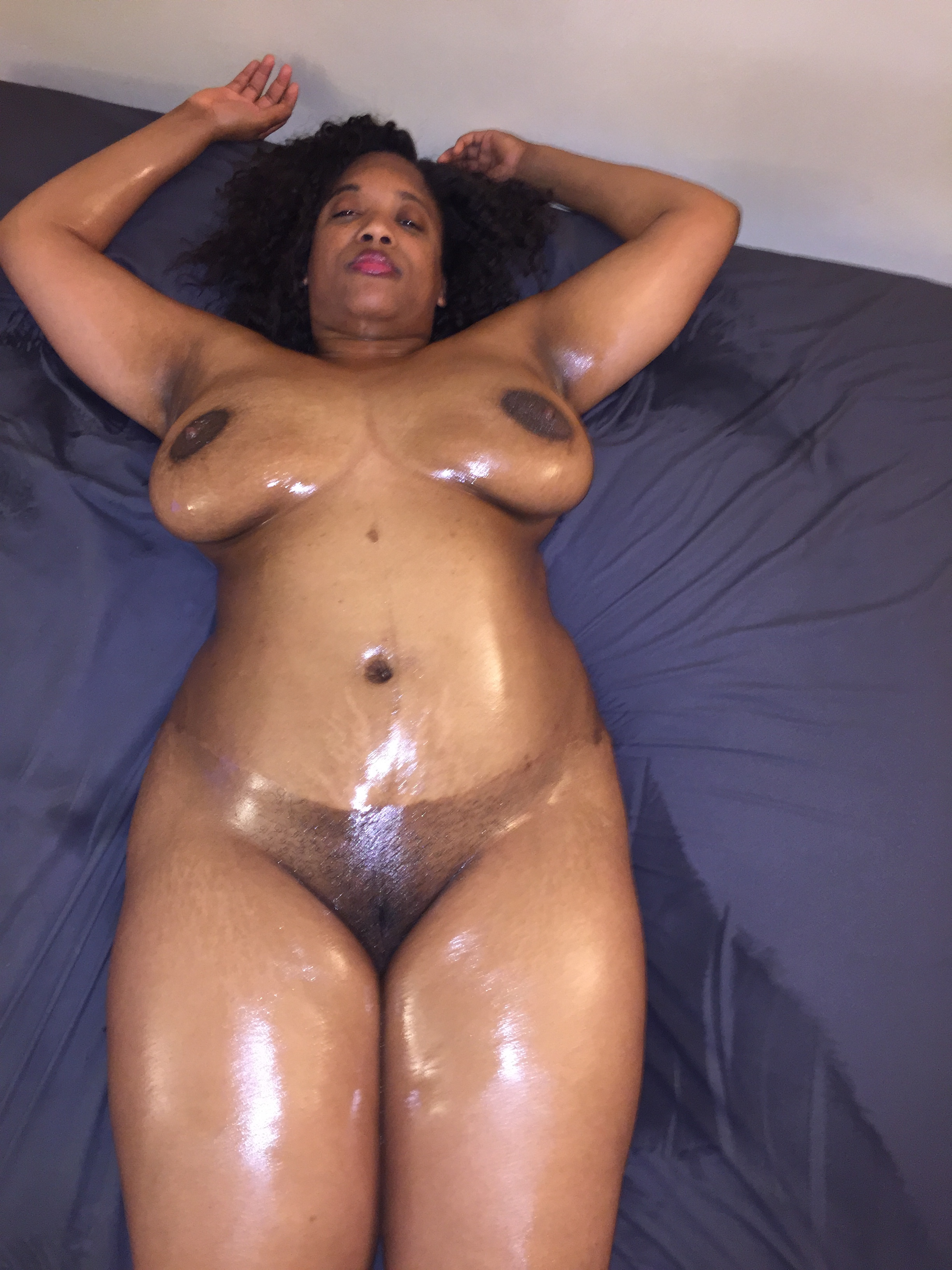 Sexy thick black females