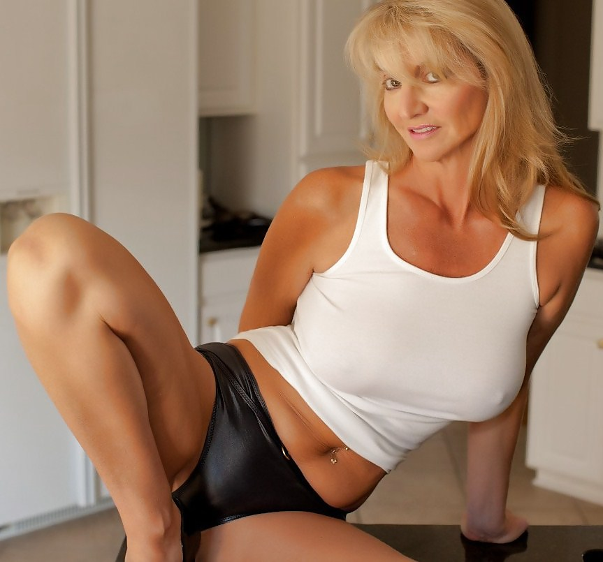 Nude Milf Pussy Pics Naked Mature Photos And Cougar Selfies