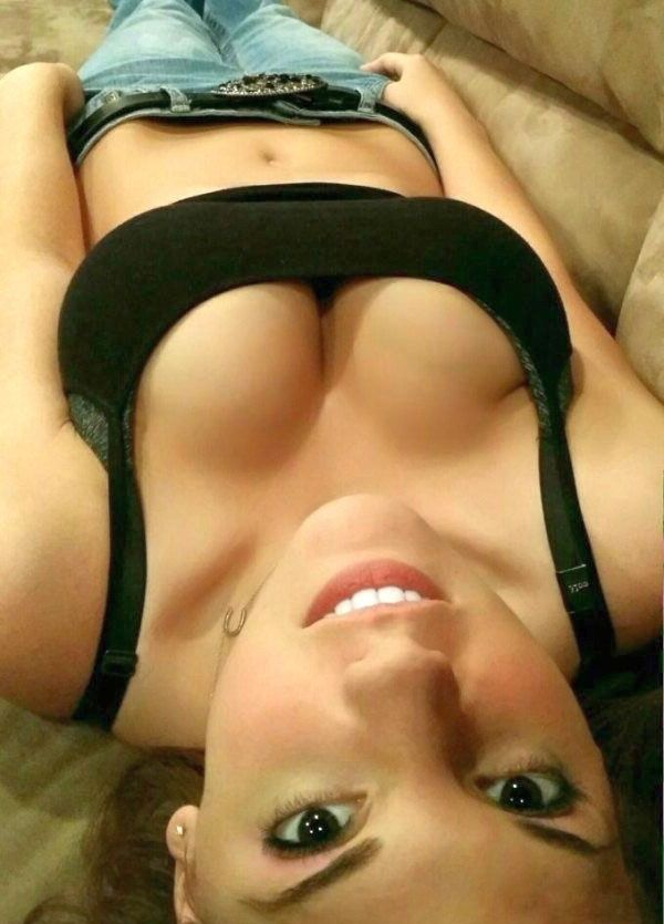 cleavage nude Amateur non