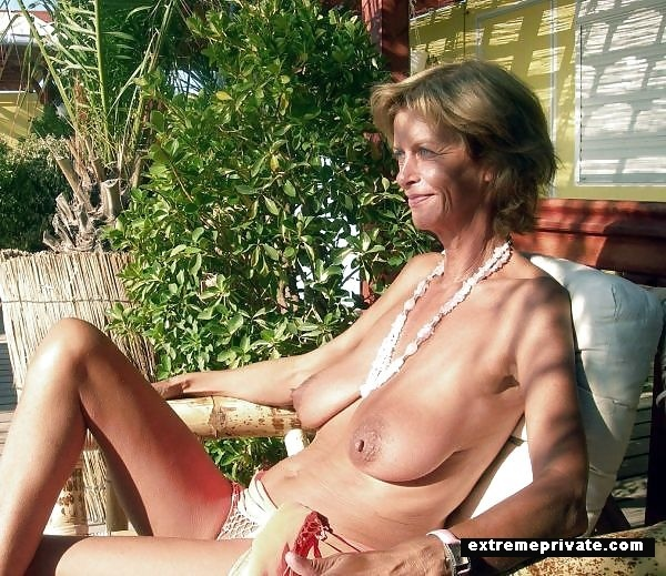 Naked Moms In Private Voyeur Pictures