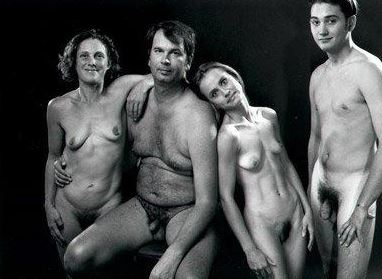 nude-young-brother-with-sis