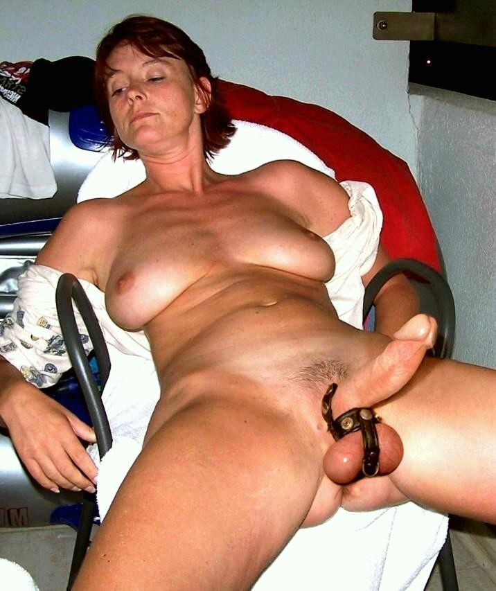 Woman sucking huge dick
