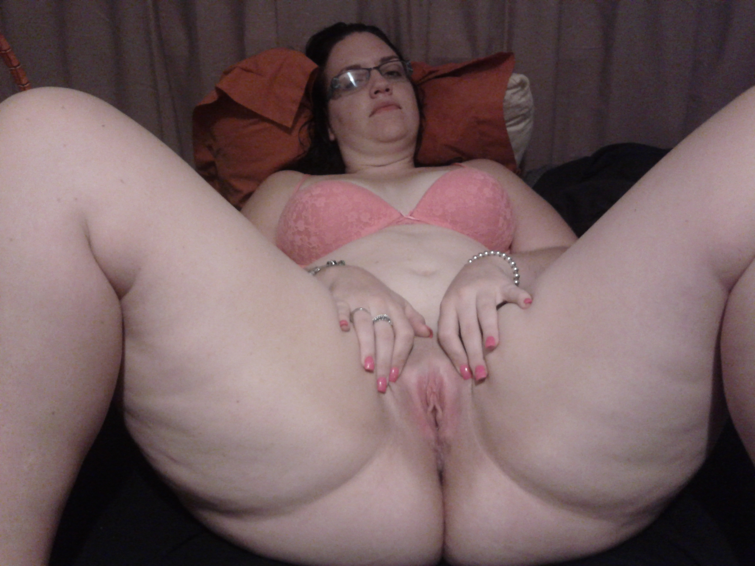 Chubby milf pussy pictures