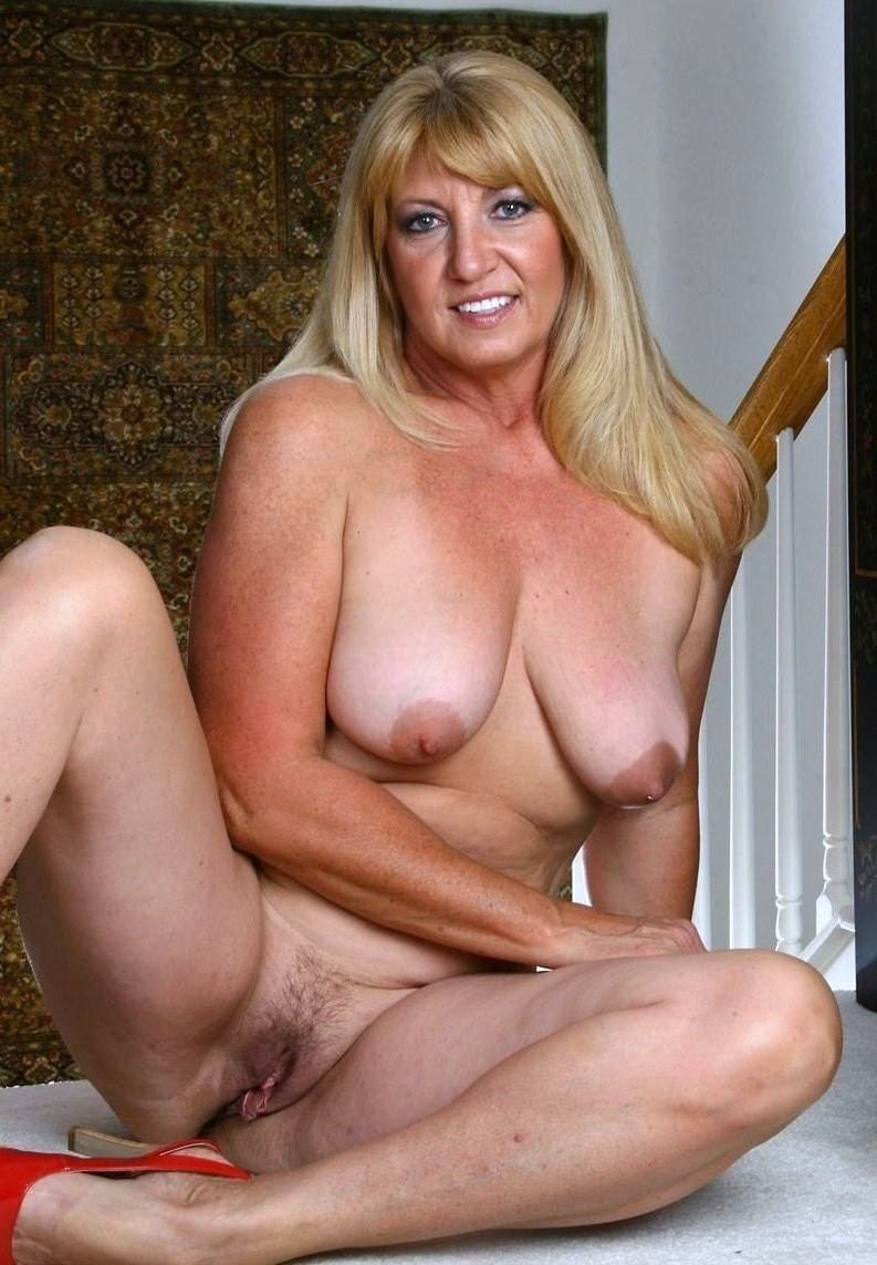 real excorte mature blonde