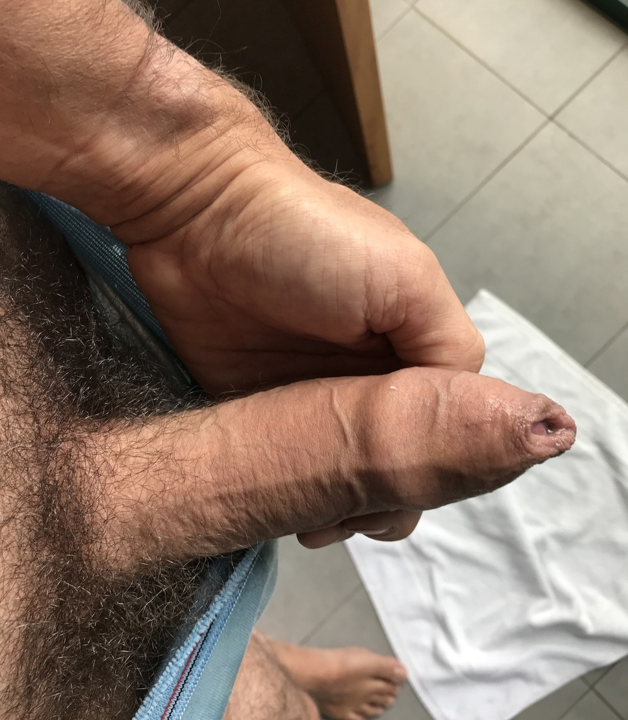 Straight man hairy uncut cock