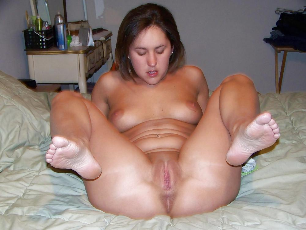 Hottest Amateur Spreading And Posing Pussy Photo 1