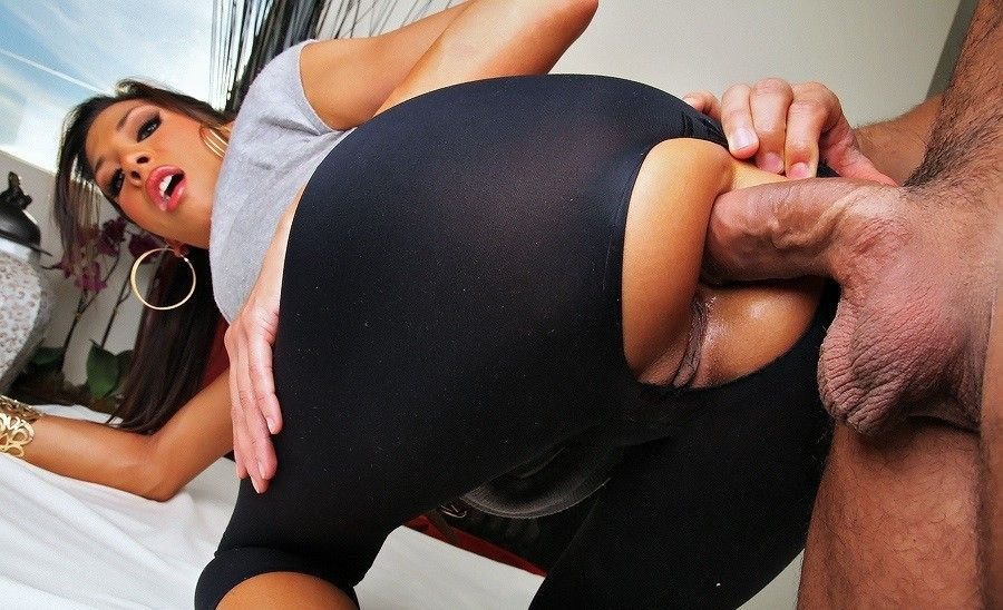 Girls In Leggings Fucking