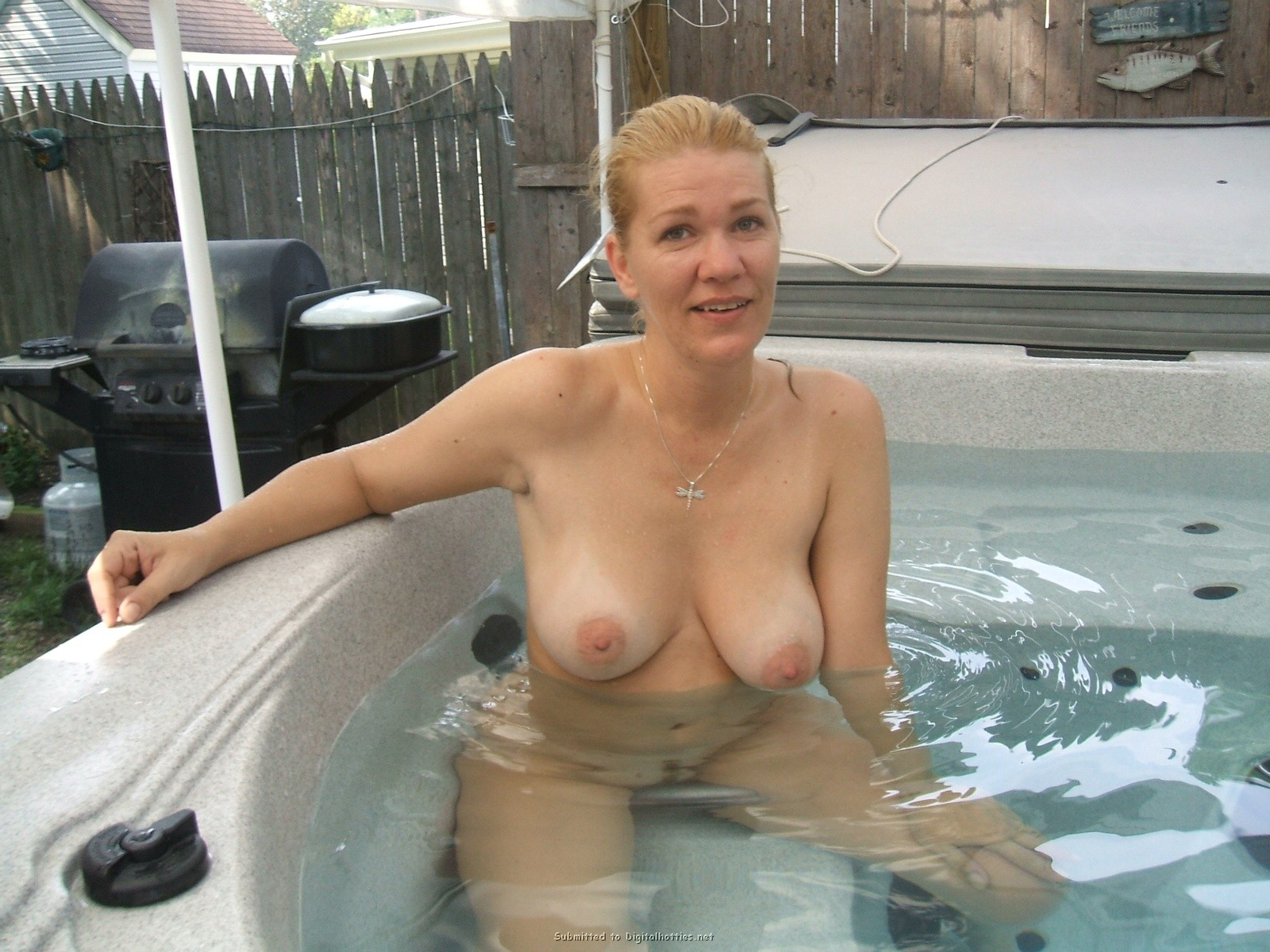Mature amateur busty mom