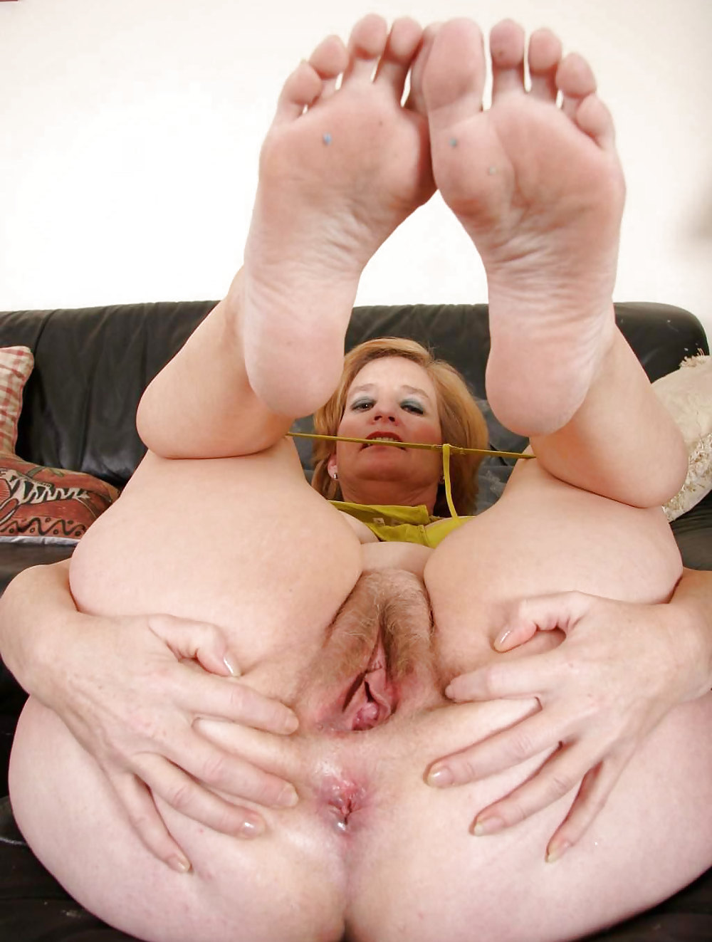 Granny asshole galleries