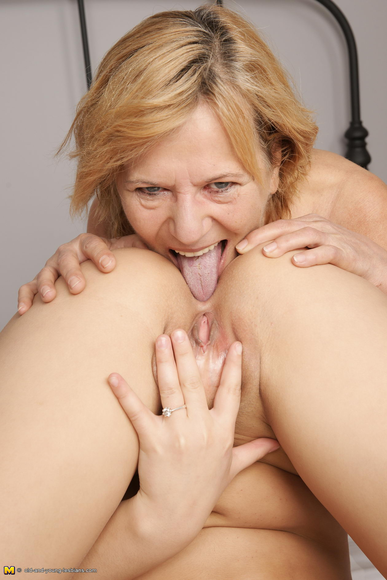 Hot ass old women sex