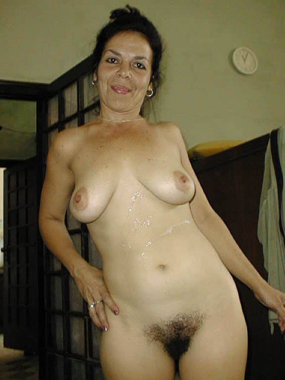 real-hairy-nude-moms