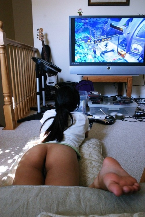 Gamers girls nude — img 3