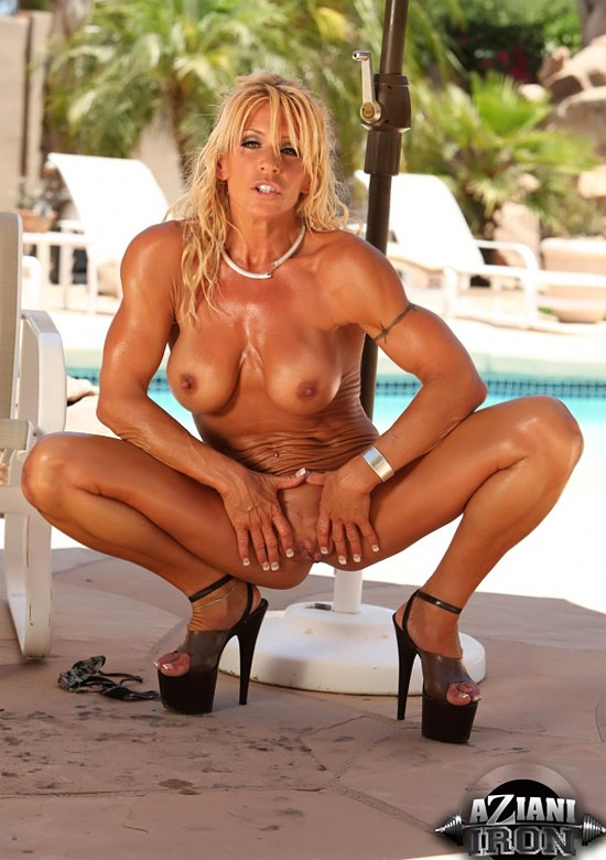 Showing porn images for muscular milf porn