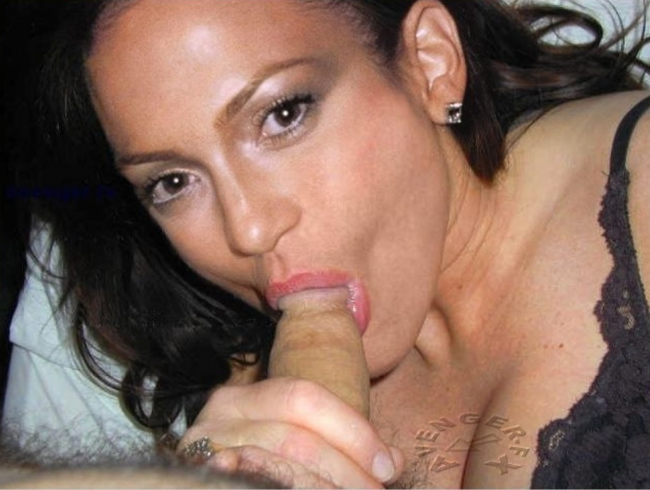 jennifer-lopez-giving-blowjob-red-tube-flash-the-pussy