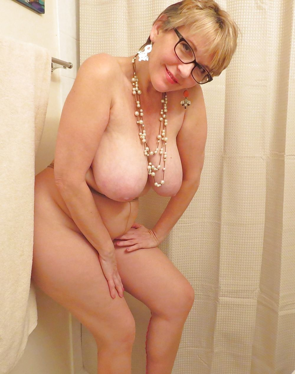 Blond big natural boobs nipples shaved puffy cameltoe pussy 3