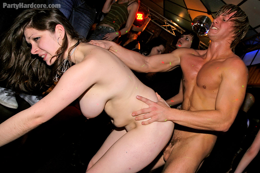 girl-free-streaming-hardcore-sex-partys