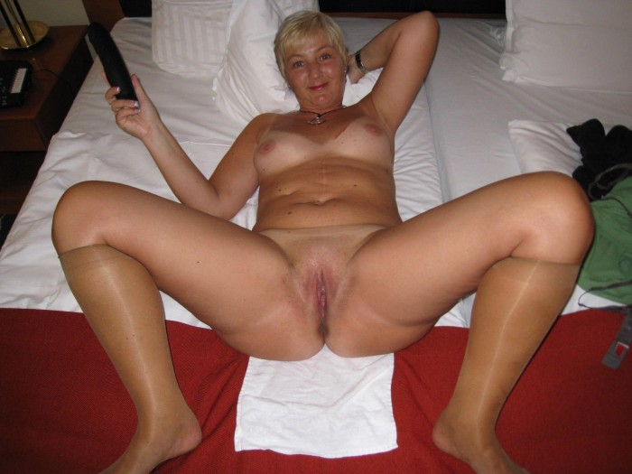 naked mother spread