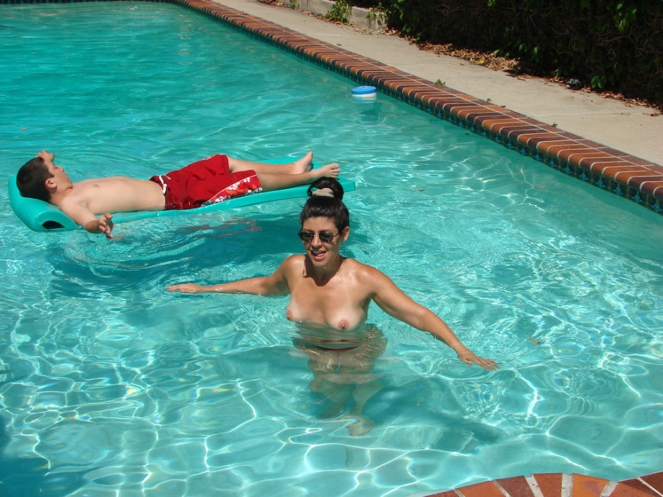 Friends hot mom at pool