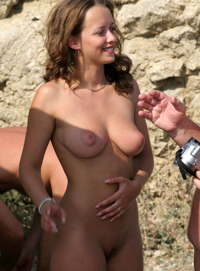 Keeley hazell completely nude