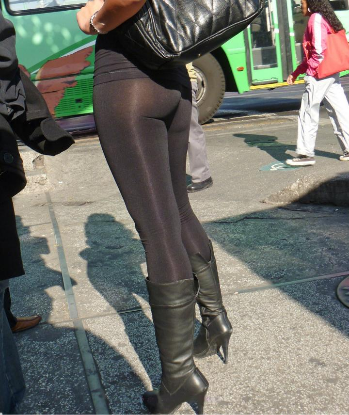 Hot ass milf candid