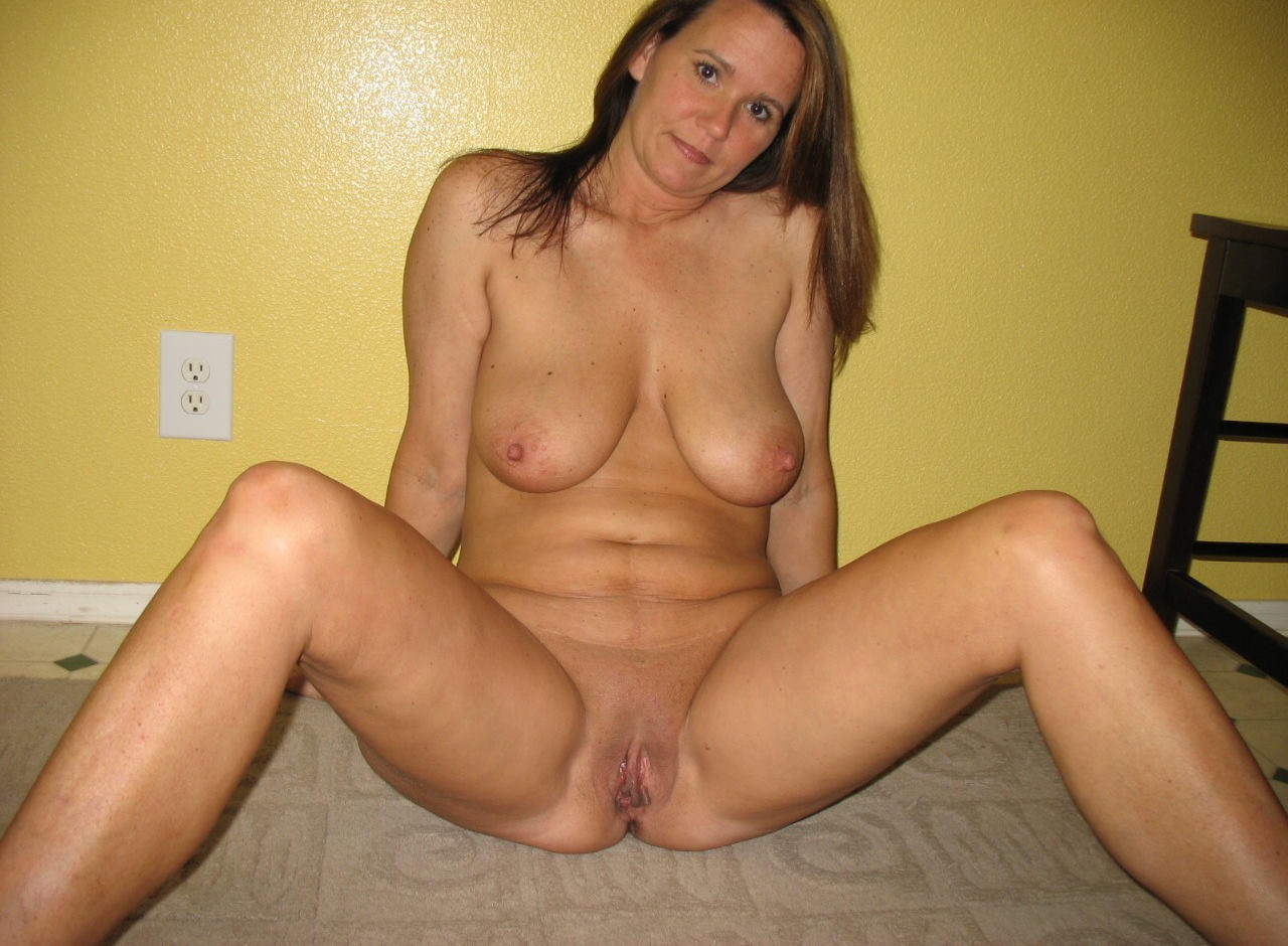 Mature hairy redhead pussy