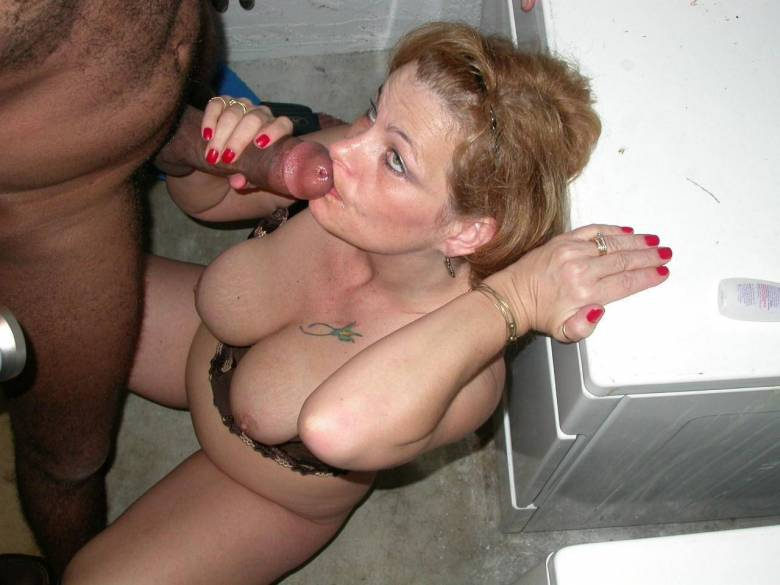 Wife eats threesome cum