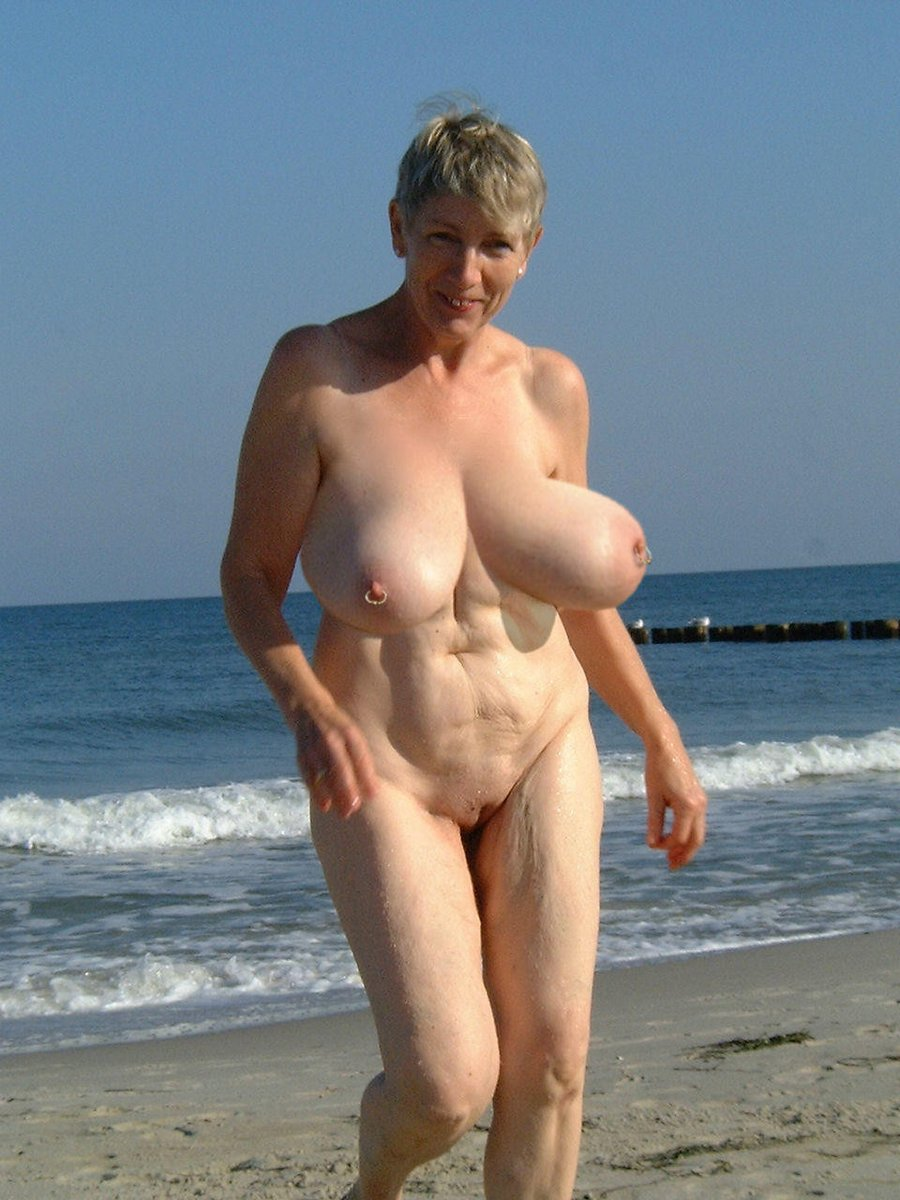 Nude old lady