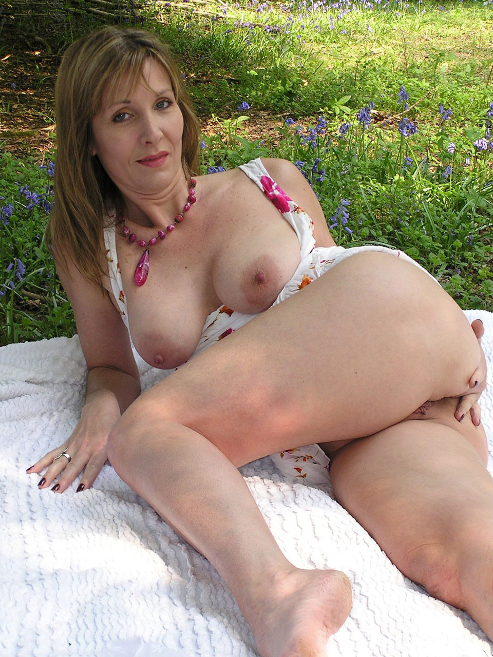 Mature Moms And Milfs
