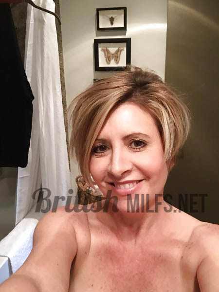 mature big boob selfies - Big tits mature lady - blonde gilf nude selfies