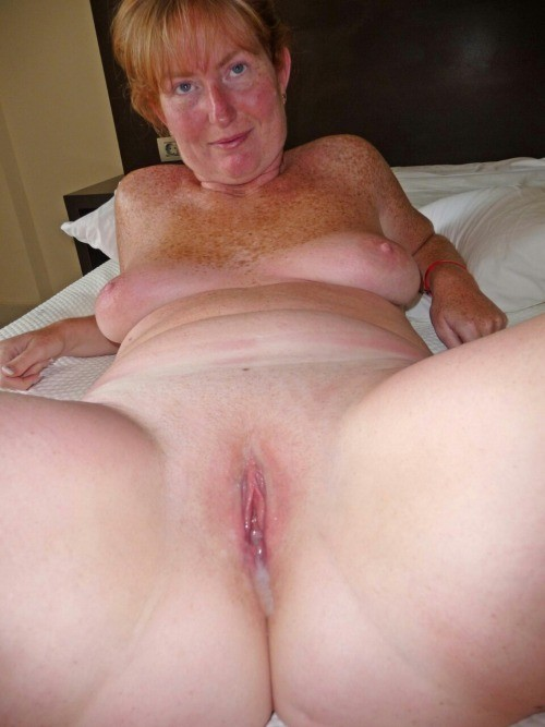 amateur mature ginger pussy
