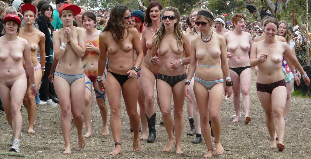Pictures of naked redneck milfs